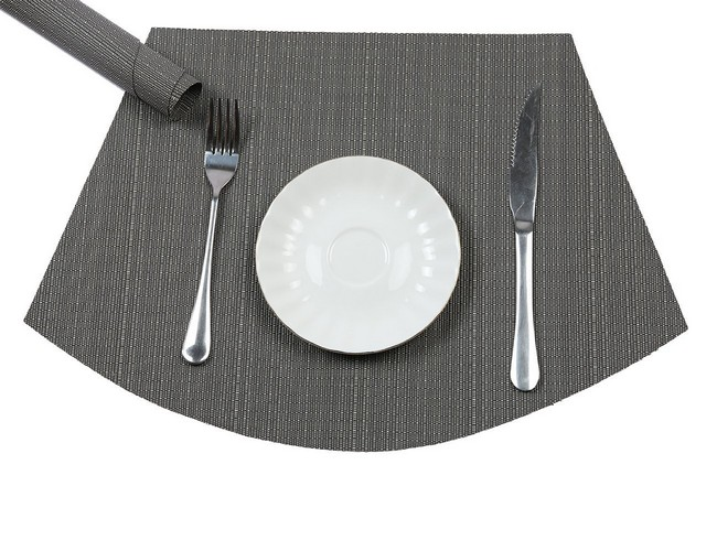 Best Place Mats for Round Tables 1. PAUWER Wedge Placemats for Round Tables Heat Insulation Stain-resistant Washable Vinyl Round Table Placemats Set of 6 (Grey)