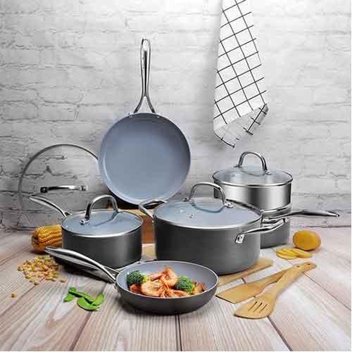 Best Non Stick Pans For Gas Stove 7. COOKSMARK 12 Piece Scratch Resistant Ceramic Nonstick Hard Anodized Aluminum Cookware Set