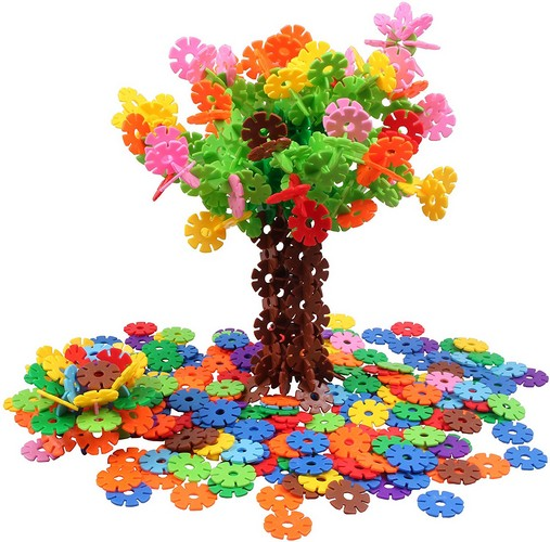 Best Educational Toys for 5-year-old 6. VIAHART Brain Flakes 500 Piece Interlocking Plastic Disc Set