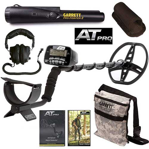 Best Professional Metal Detectors 8. Garrett AT Pro Metal Detector with Pro Pointer II & Camo Digging Pouch