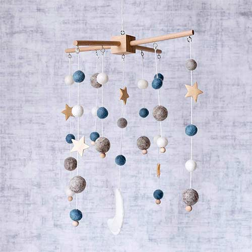 5. Baby Crib Mobile Wooden Wind Chime Bed Bell, Nursery Mobile Crib Bed Bell Baby Bedroom Ceiling Wooden Beads Wind Chime Hanging