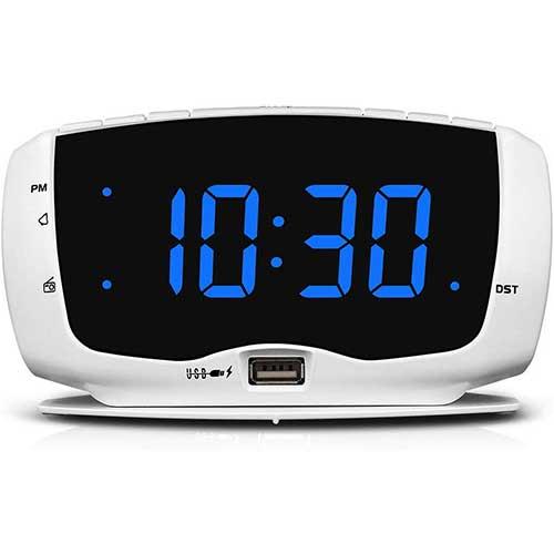 5. DreamSky Electronics Alarm Clock Radio